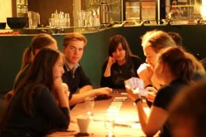 Mokveld legt 'gongeskheid' uit aan ongeletterde Zweedse boerenmeisjes.